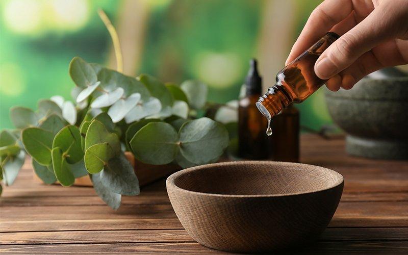 Des huiles essentielles pour mieux supporter la canicule
