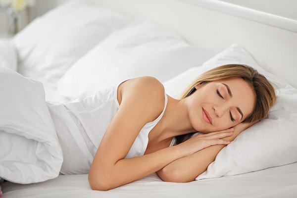 La taille du lit a-t-elle un impact sur notre sommeil ?